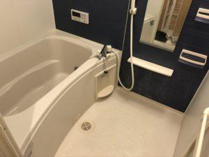 熊本県山鹿市K様邸の浴室クリーニング前の写真
