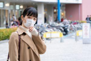 マスクをした女性の写真